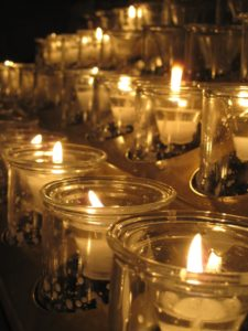 candles-595730_1920-_pixabay